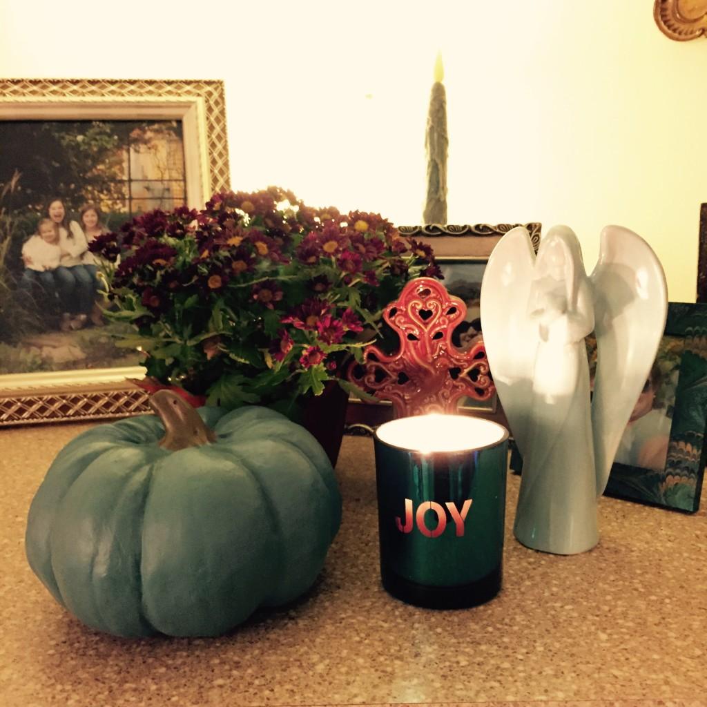 Autumnal JOY in a mantel vignette...